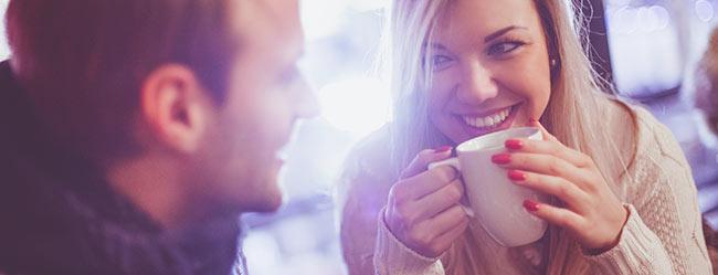 Flirten langer blickkontakt