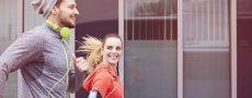 Frau und Mann joggen gemeinsam und entdecken Liebe auf den zweiten Blick